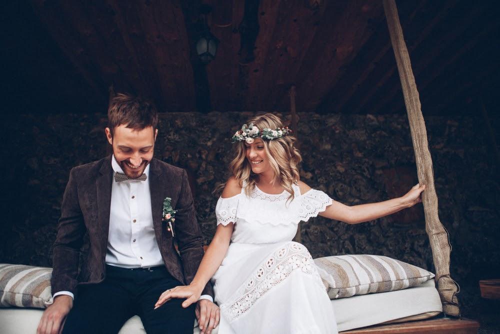 Tendências de ternos para noivos e vestidos de noivas em 2021